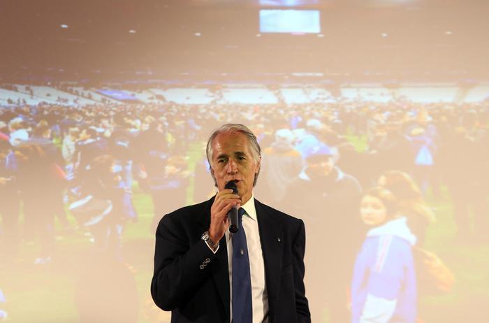 Parigi: Malagò, sport vada avanti per sensibilizzare animi